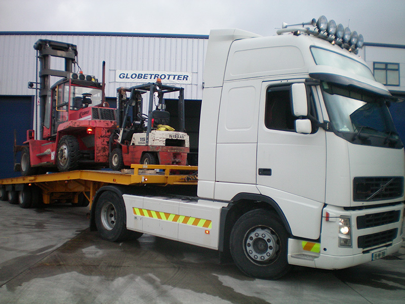 Globetrotter Trucking Ireland Ltd. main photo of two of our staff cleaning an office